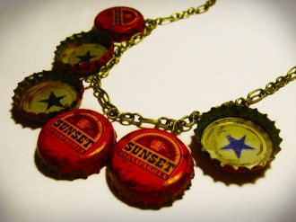 sunset_sarsaparilla_star_bottle_cap_necklace_by_penguinluv4ever-d5bzi1y2-330x247