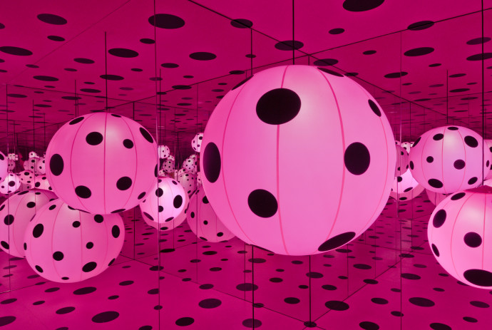 Dots_Obsession-Love_Transformed_Into_Dots_Installation